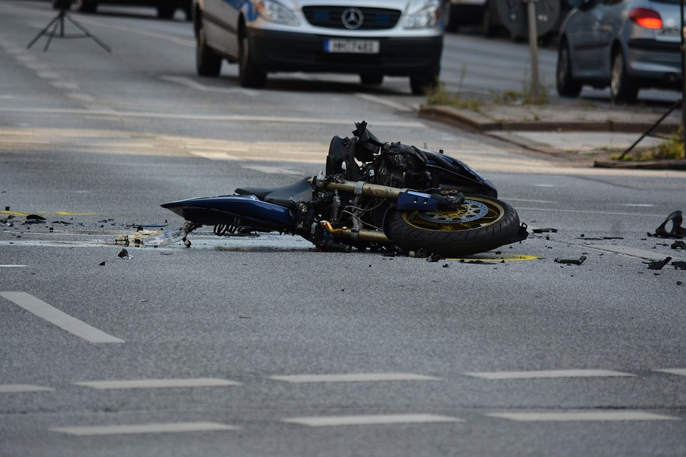 motorcycle-1041070_960_720